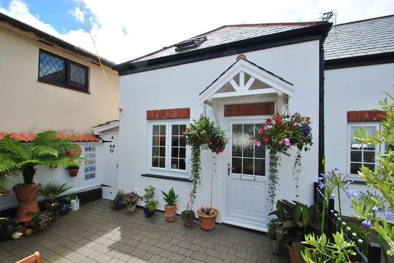 1 Bedroom Semi Detached House for sale in Broad Street, St. Columb Major