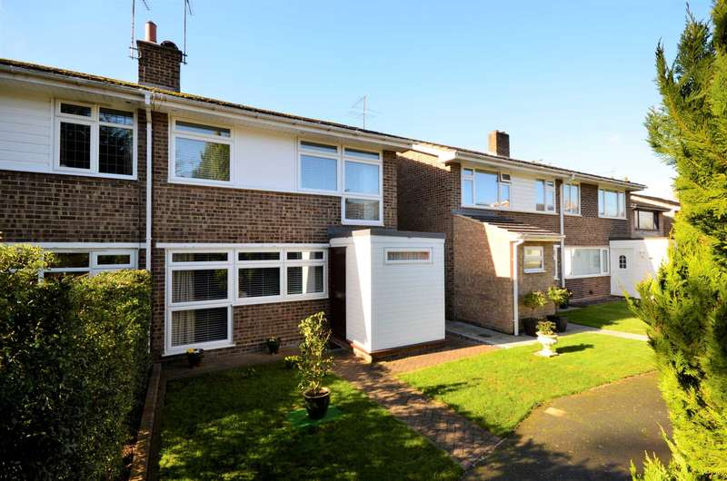 4 Bedrooms Semi Detached House for sale in Hollyford, Billericay