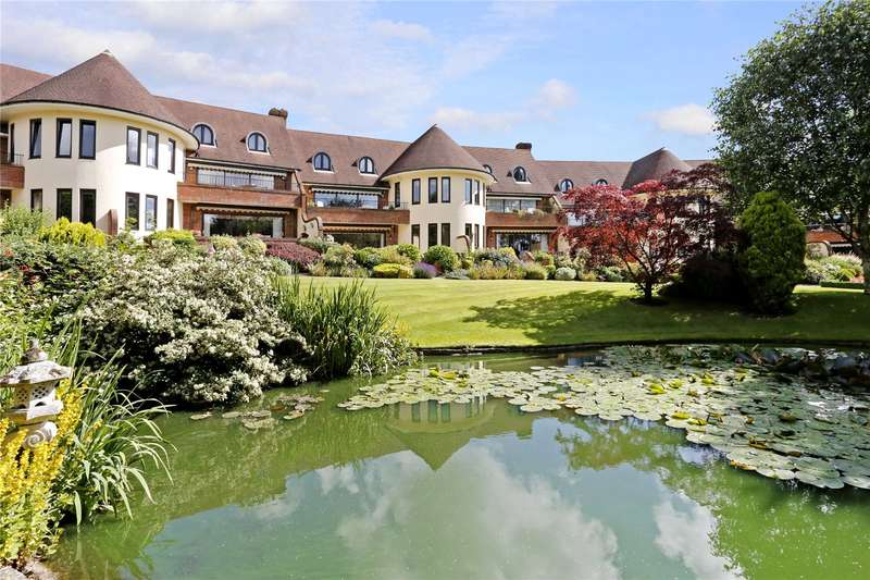 4 Bedrooms Flat for sale in The Waterglades, Knotty Green, Beaconsfield, Buckinghamshire, HP9