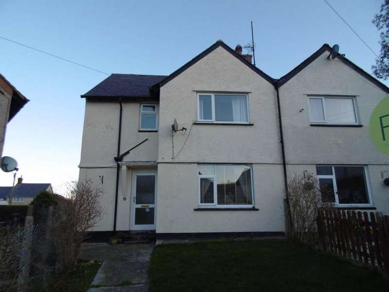 3 Bedrooms Semi Detached House for sale in 33 Pen Y Bryn, Llanfairfechan, LL33 0UH