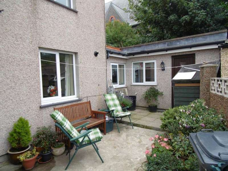 2 Bedrooms Cottage House for sale in Esplanade, Penmaenmawr, LL34 6LY