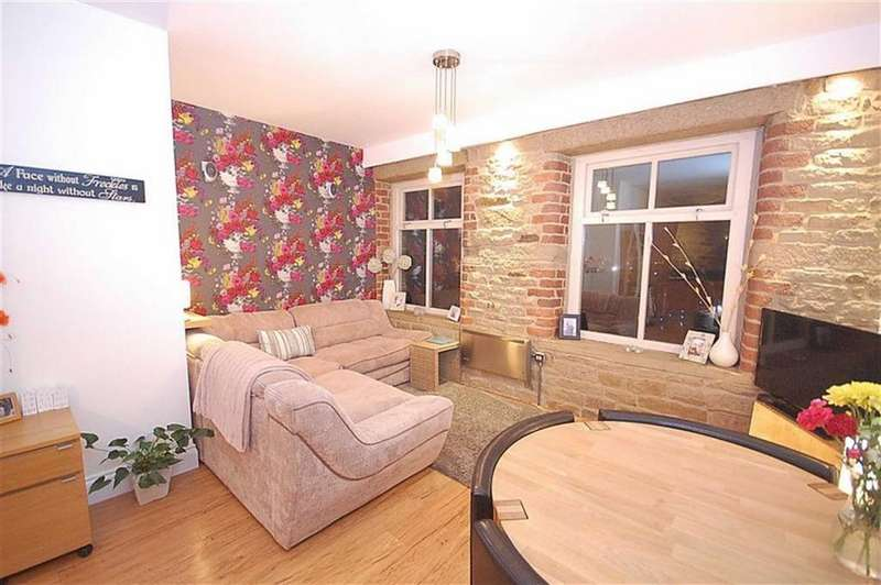 1 Bedroom Apartment Flat for sale in Gladstones Corner, Lindley, Huddersfield, HD3