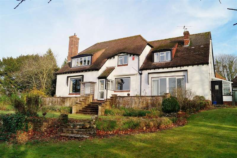 4 Bedrooms Detached House for sale in Wepham, Arundel