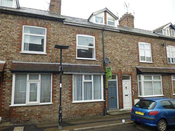 3 Bedrooms Terraced House for sale in Westwood Terrace, Southbank, York