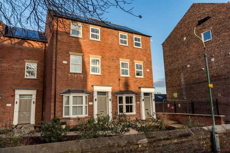 4 Bedrooms End Of Terrace House for sale in Chestnut Court, YORK