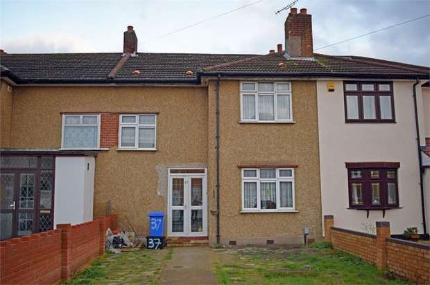 3 Bedrooms Terraced House for sale in Crown Road, Ilford, Essex