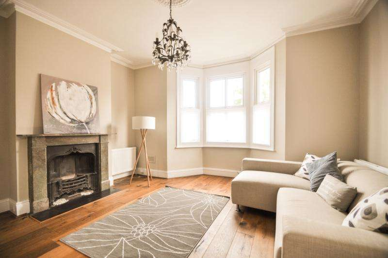4 Bedrooms Semi Detached House for sale in Quicks Road, London, SW19
