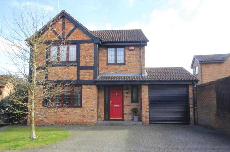 4 Bedrooms Detached House for sale in STUNNING 4 BED DETACHED with ENSUITE SHOWER ROOM and WALK in WARDROBE to the MASTER BEDROOM.