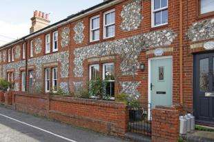 3 Bedrooms Terraced House for sale in Church Lane, Upper Beeding, Steyning, West Sussex