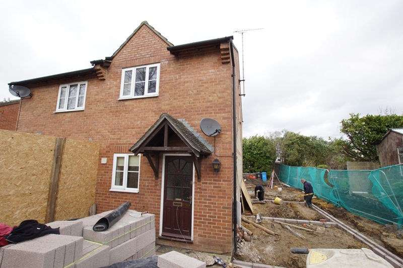 2 Bedrooms Terraced House for sale in Cottage Gardens, Parkstone, Poole