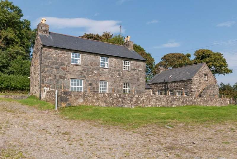 4 Bedrooms Detached House for sale in Rhoslan, Criccieth, North Wales