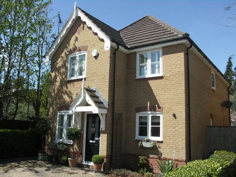 3 Bedrooms Detached House for sale in Redgrave Place, Marlow