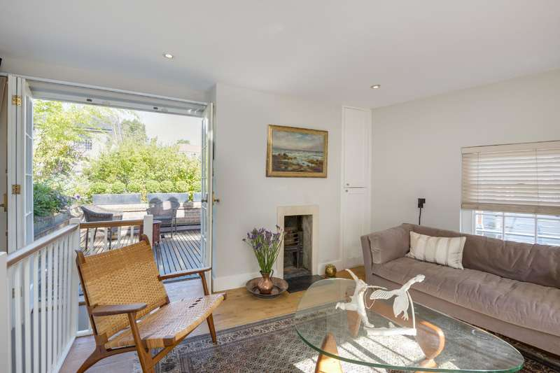 3 Bedrooms House for sale in Benham's Place, Hampstead Village
