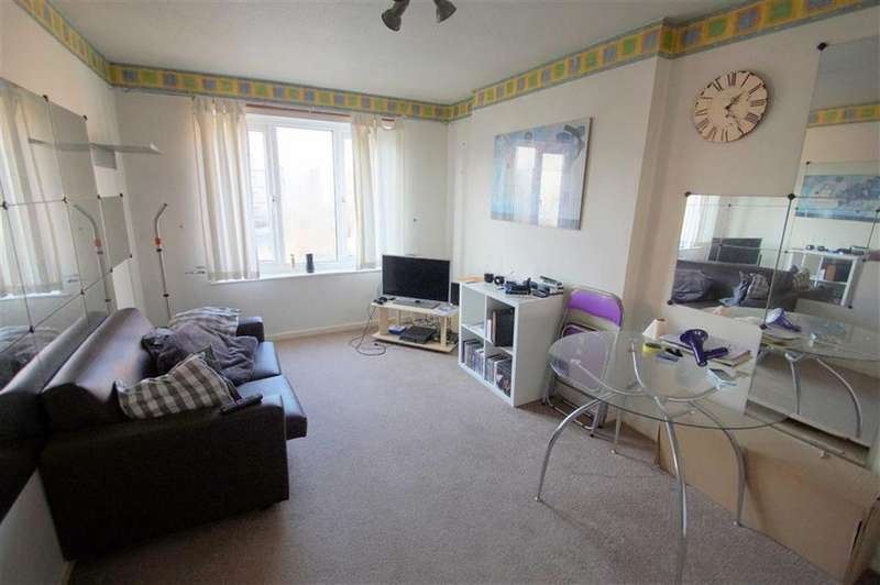 1 Bedroom Flat for sale in Kendal Walk, Hyde Park, LS3