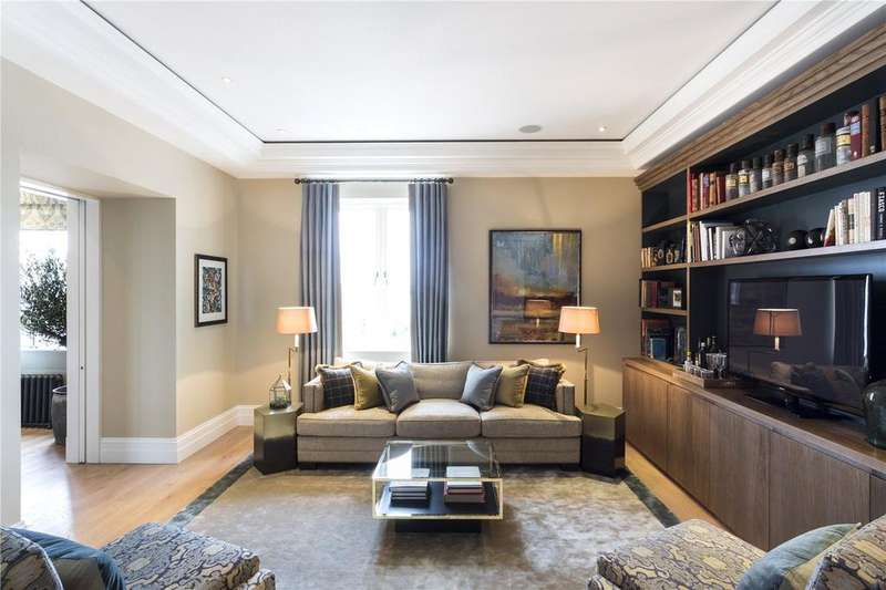 2 Bedrooms Penthouse Flat for sale in The Piazza, Covent Garden, WC2E