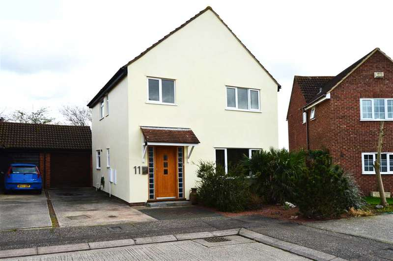 4 Bedrooms Detached House for sale in Leapingwell Close, Chelmsford