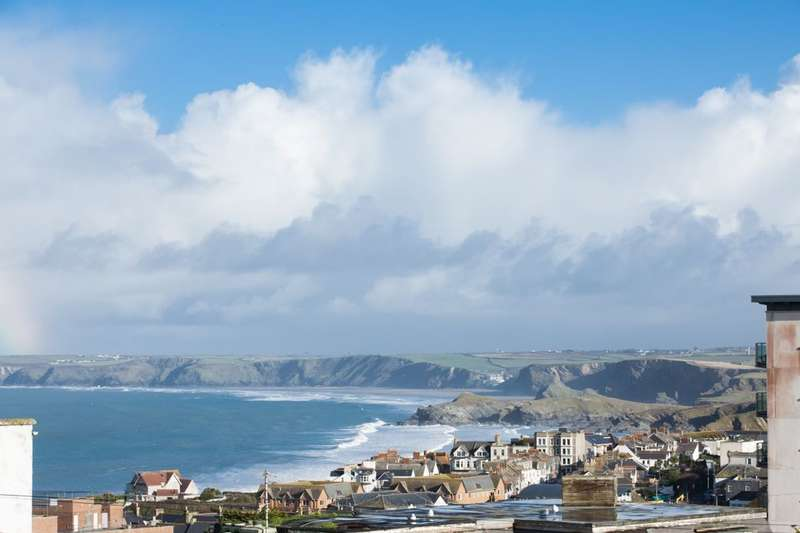 3 Bedrooms Flat for sale in Mount Wise, Newquay, TR7