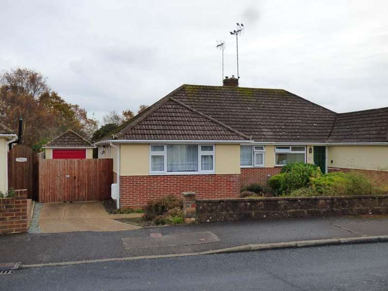2 Bedrooms Bungalow for sale in Midfields Drive, Burgess Hill, RH15