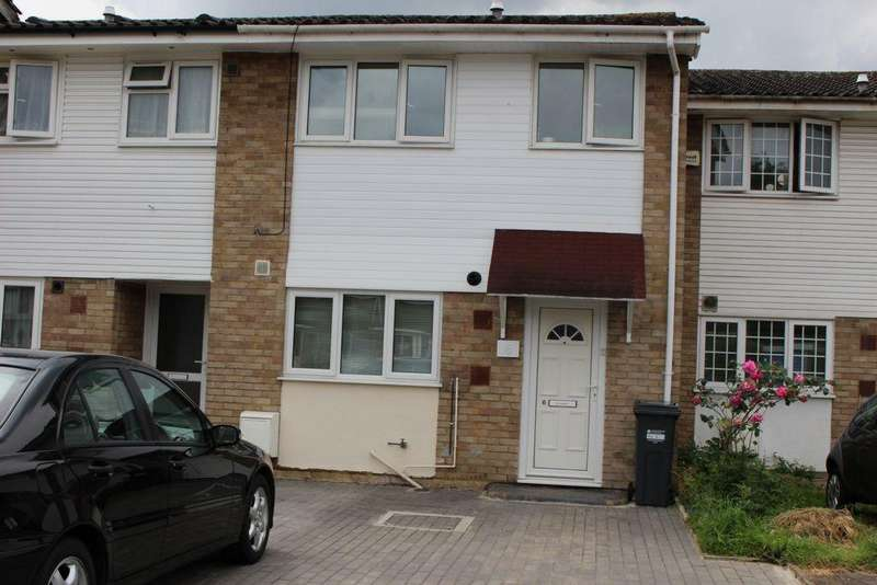 3 Bedrooms House for sale in Sheepcote Close, Cranford, TW5