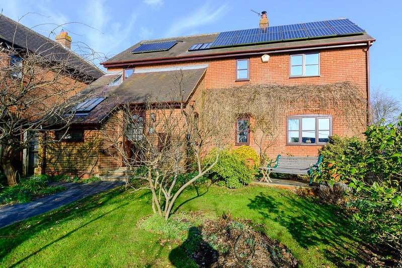 4 Bedrooms Detached House for sale in Upper Street, Quainton