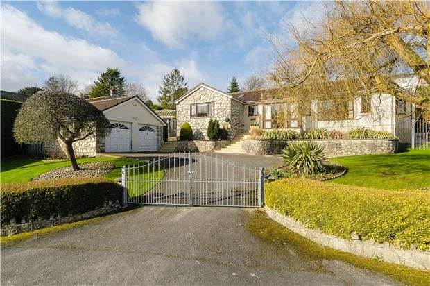 3 Bedrooms Detached Bungalow for sale in The Street, Farmborough, BATH, Somerset, BA2 0AL