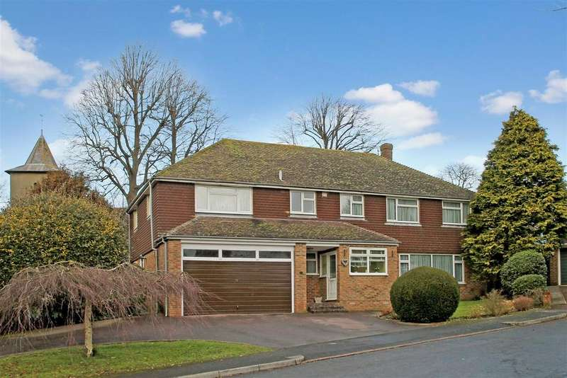 5 Bedrooms Detached House for sale in Ashley Close, Patcham Old Village, Brighton