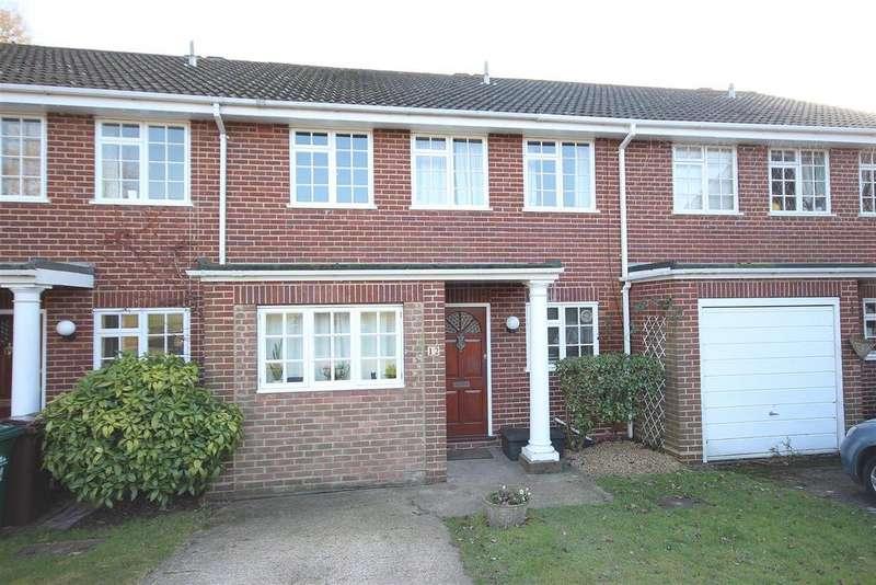 4 Bedrooms Terraced House for sale in Draxmont Way, Surrenden, Brighton