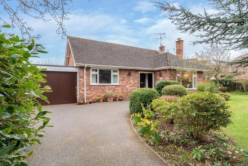 4 Bedrooms Detached Bungalow for sale in The Rowans, Ashton Hayes, CH3 8BP
