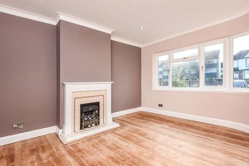 3 Bedrooms Terraced House for sale in Ravensbourne Park, Catford, SE6