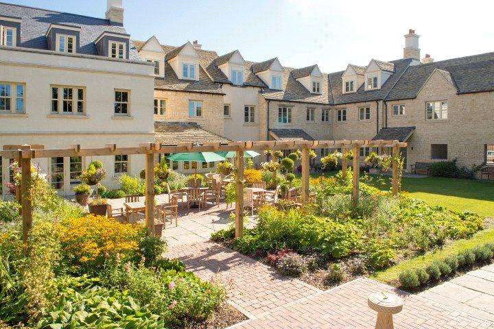 1 Bedroom Retirement Property for sale in Lewsey Court, London Road, Tetbury, Gloucestershire