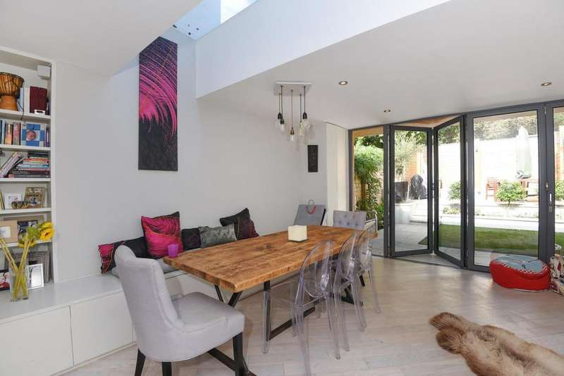 3 Bedrooms Terraced House for sale in Leopold Road, Wimbledon, SW19