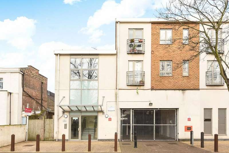 1 Bedroom Flat for sale in Elm Grove, Peckham, SE15