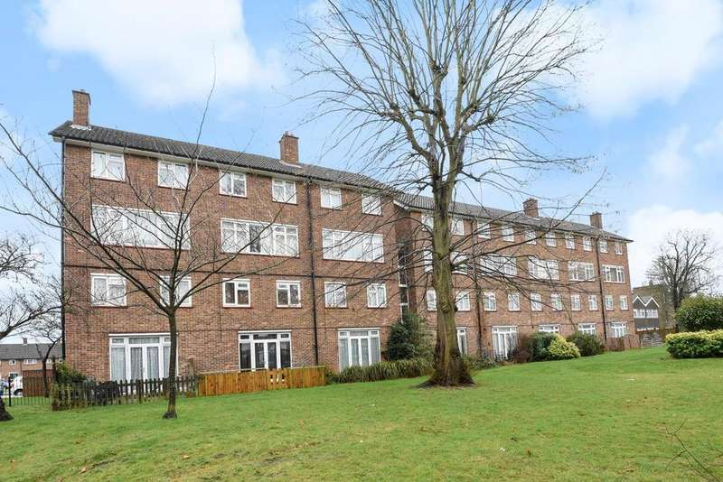 2 Bedrooms Maisonette Flat for sale in Sandstone Road, Grove Park, SE12