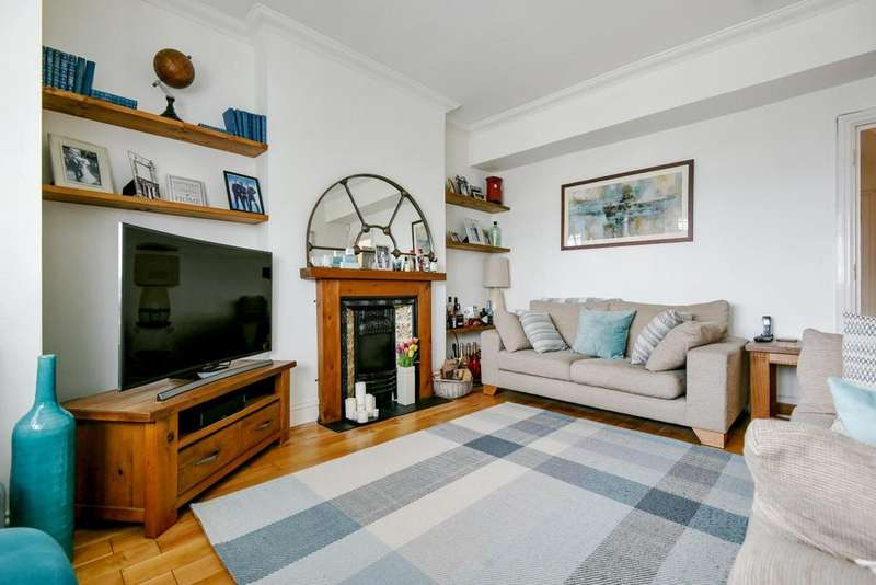 2 Bedrooms Flat for sale in South Norwood Hill, South Norwood, SE25