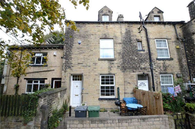 3 Bedrooms Terraced House for sale in Back Lane, Farsley, Pudsey, West Yorkshire