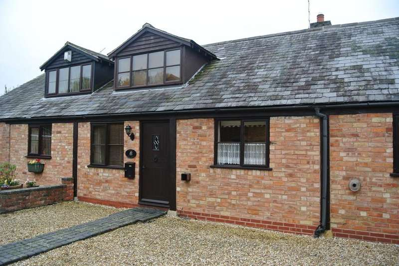 2 Bedrooms Barn Conversion Character Property for sale in Barn Lane, Sedgeberrow
