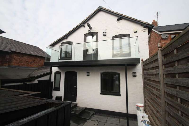 3 Bedrooms Barn Conversion Character Property for sale in The Bakery, Forest Road, Tarporley, CW6 0HX