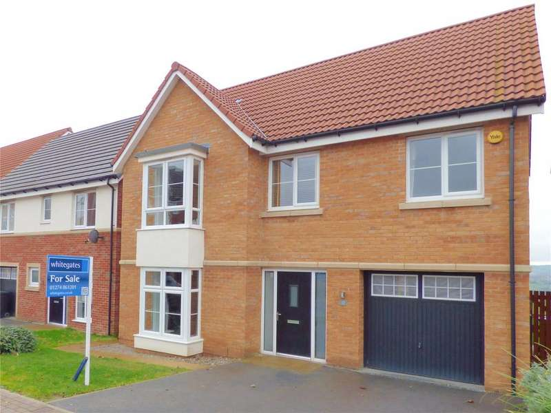 4 Bedrooms Detached House for sale in Spinners Avenue, Scholes, BD19