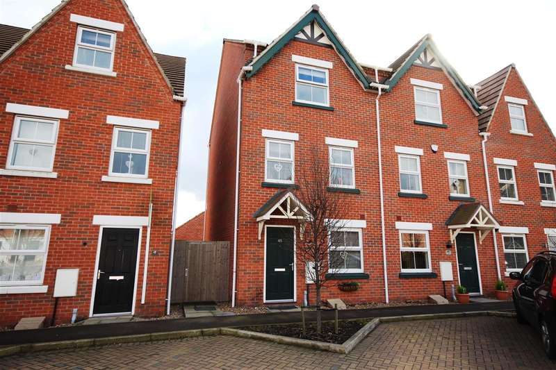 4 Bedrooms Town House for sale in Grey Meadow Road, Ilkeston