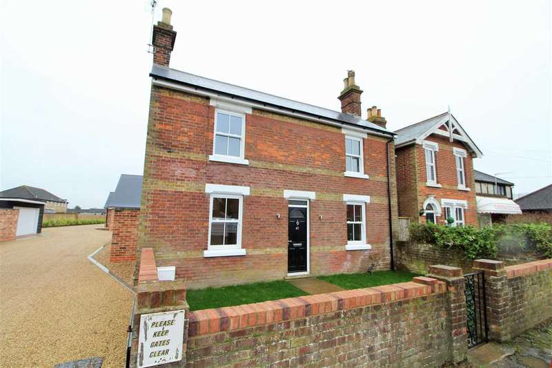 3 Bedrooms Detached House for sale in London Road, Stanway, Colchester