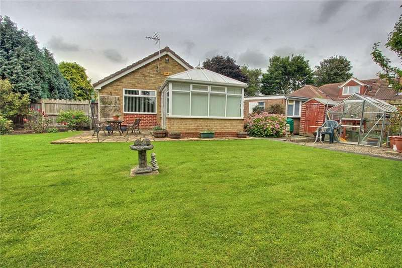3 Bedrooms Detached Bungalow for sale in Ampleforth Avenue, Normanby