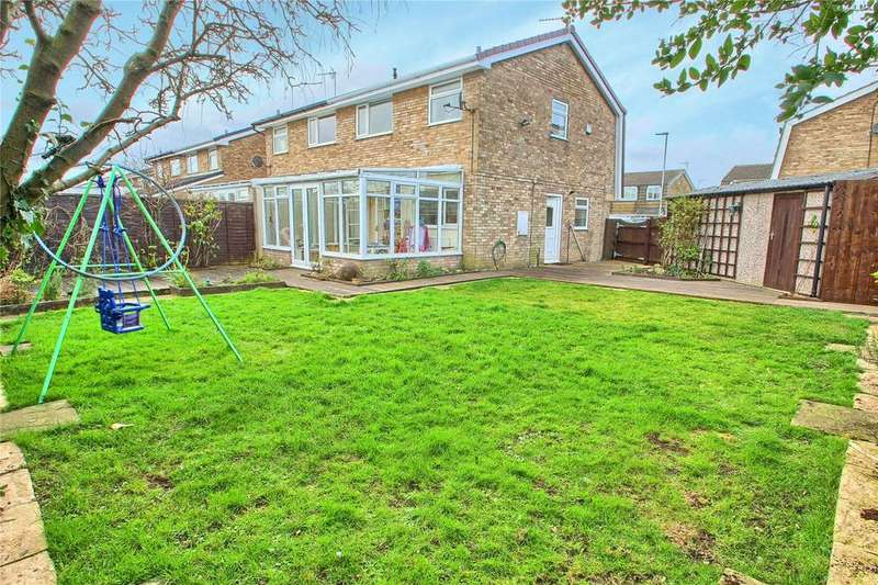 3 Bedrooms Semi Detached House for sale in Merring Close, Hartburn