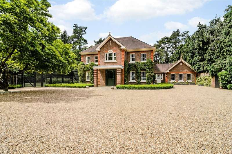 5 Bedrooms Detached House for sale in West Drive, Virginia Water, Surrey, GU25