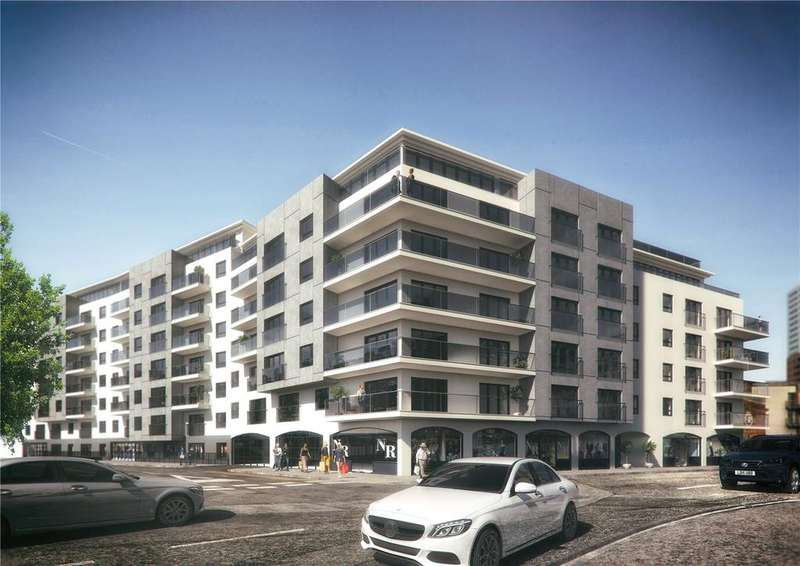 2 Bedrooms Penthouse Flat for sale in Royal Crescent Apartments, Canute Road, Southampton, Hampshire, SO14