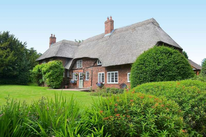 5 Bedrooms Cottage House for sale in Hill Top, Longdon Green
