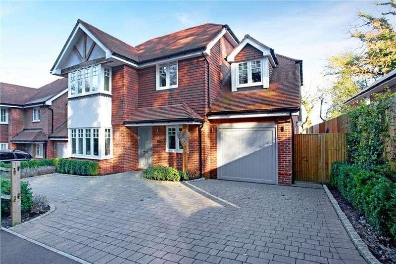 5 Bedrooms Detached House for sale in Wellington Avenue, Virginia Water, Surrey, GU25