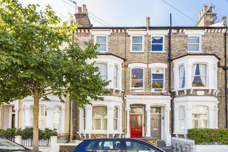 2 Bedrooms Apartment Flat for sale in Almeric Road, London, SW11