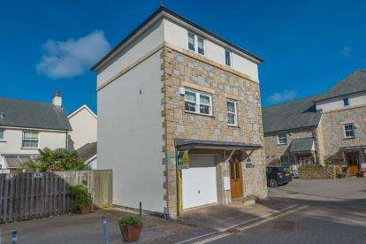 3 Bedrooms Link Detached House for sale in Hayle, Cornwall