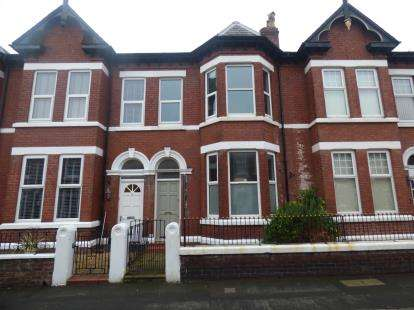 3 Bedrooms Semi Detached House for sale in Wellington Street, Southport, Merseyside, PR8