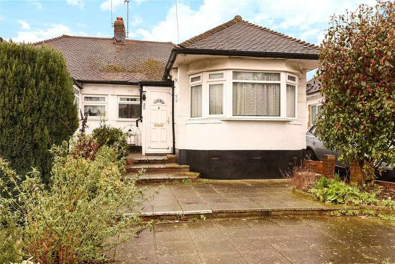 3 Bedrooms Semi Detached Bungalow for sale in Cavendish Avenue, South Ruislip, Middlesex, HA4